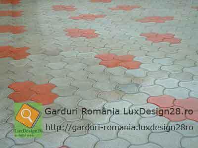 Culori gri cu rosu pavaje beton, modele diverse de pavaje prefabricate beton